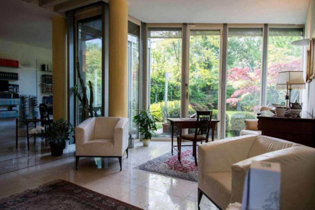 Villa in vendita a Gorle, 9 locali, prezzo € 990.000 | Cambio Casa.it