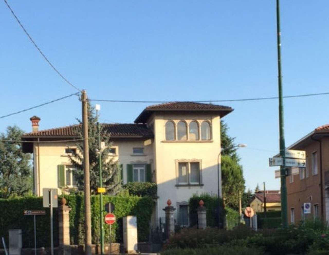 Villa in vendita a Mapello, 6 locali, prezzo € 1.200.000 | Cambio Casa.it
