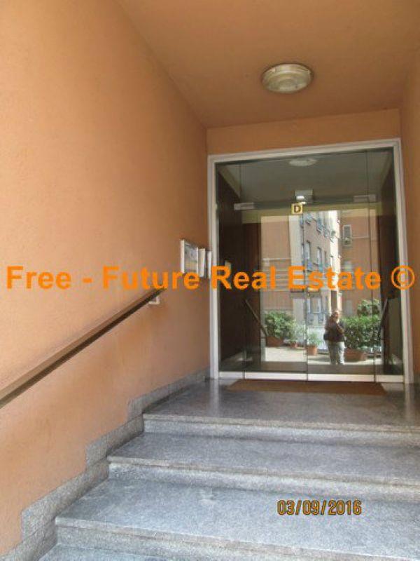 Bilocale Milano Via Alberto Caroncini 5