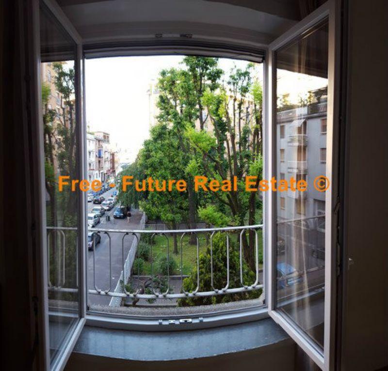 Bilocale Milano Via Alberto Caroncini 10