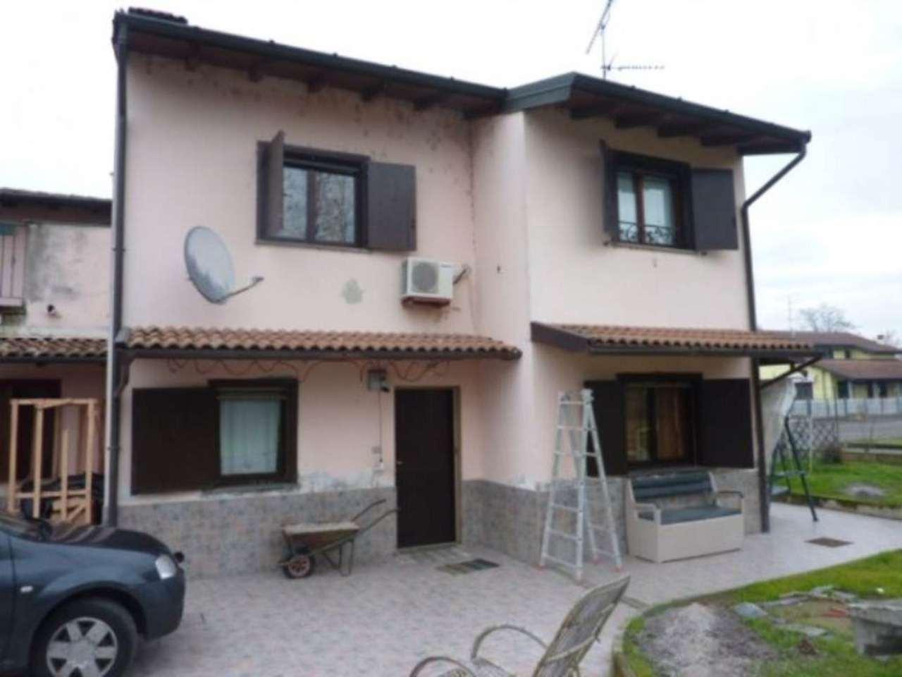 Soluzione Indipendente in vendita a Mortara, 5 locali, prezzo € 140.000 | Cambio Casa.it