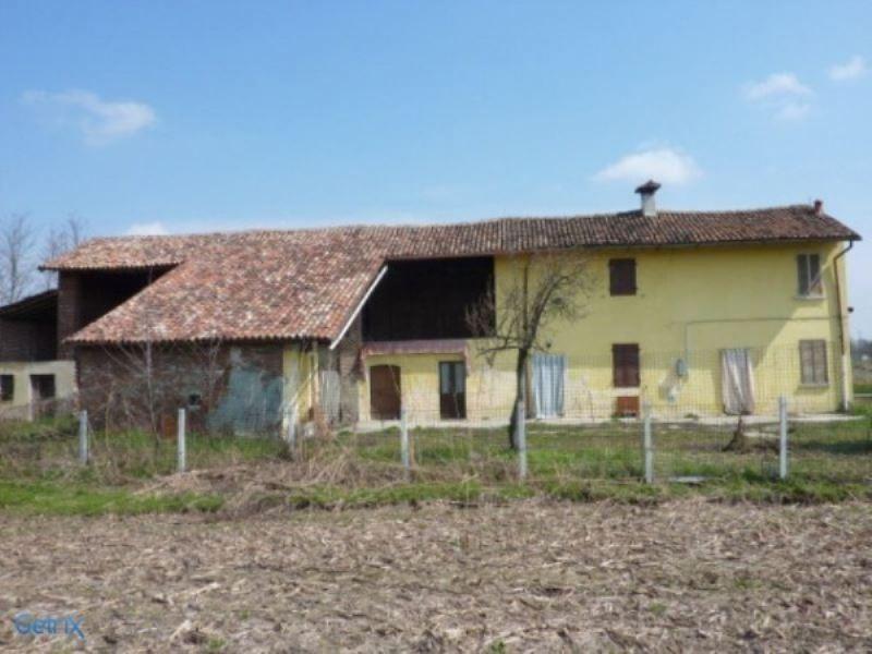 Rustico / Casale in vendita a Mortara, 6 locali, prezzo € 140.000   Cambio Casa.it