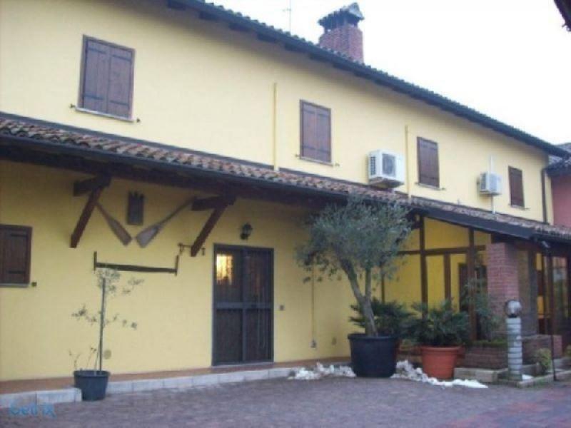 Soluzione Indipendente in vendita a Mortara, 6 locali, prezzo € 190.000 | Cambio Casa.it