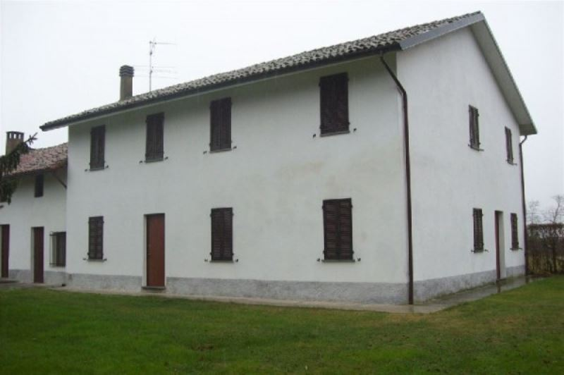 Soluzione Indipendente in vendita a Mortara, 6 locali, prezzo € 290.000 | Cambio Casa.it
