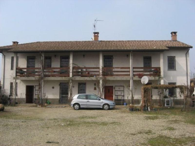 Soluzione Indipendente in vendita a Mortara, 6 locali, prezzo € 165.000 | Cambio Casa.it