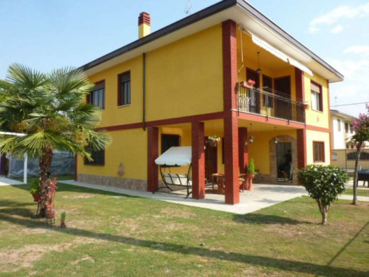 Villa Bifamiliare in vendita a Mortara, 10 locali, prezzo € 200.000   Cambio Casa.it