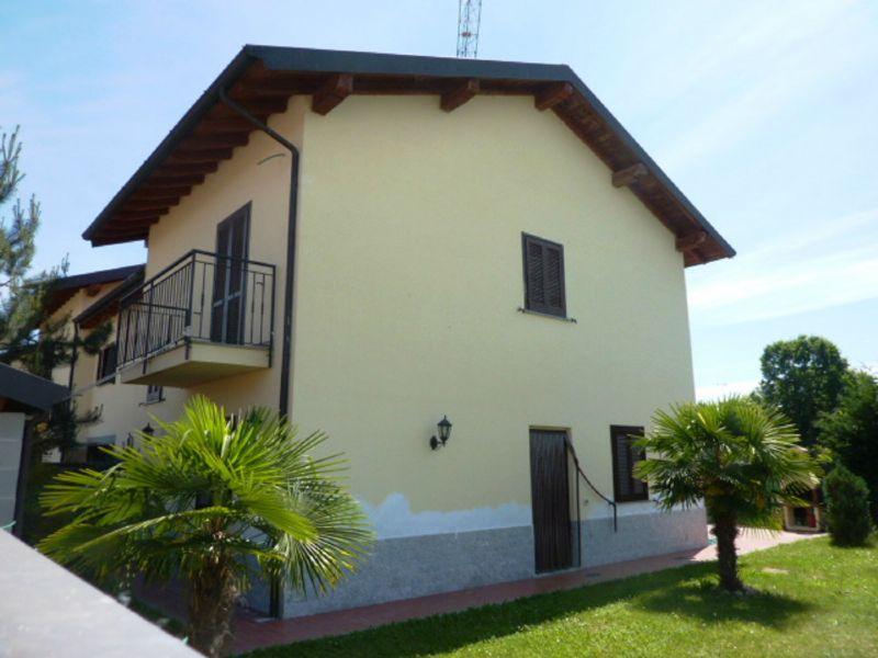 Villa in vendita a Tromello, 6 locali, prezzo € 190.000 | CambioCasa.it