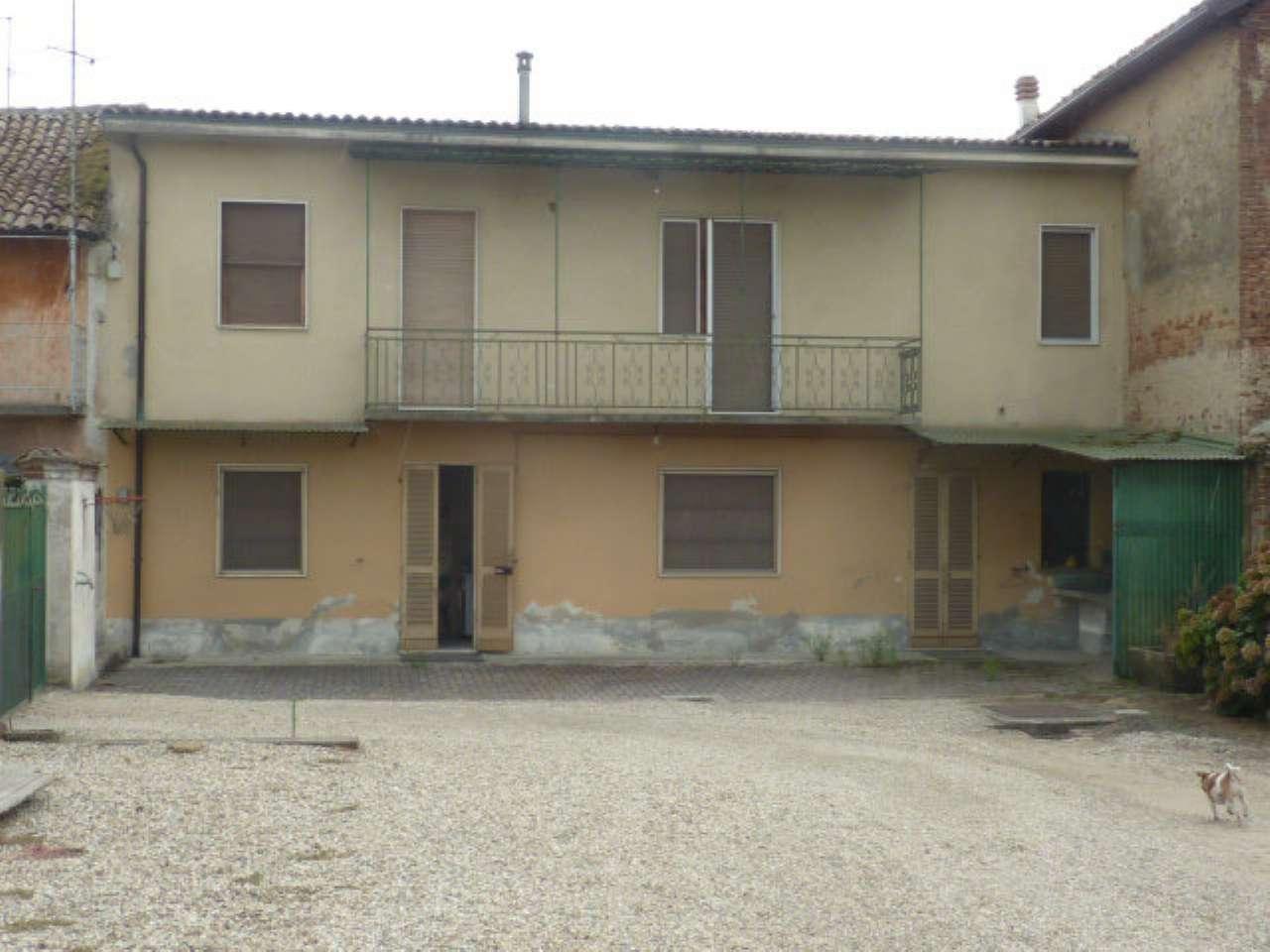 Soluzione Indipendente in vendita a Mortara, 6 locali, prezzo € 90.000 | CambioCasa.it