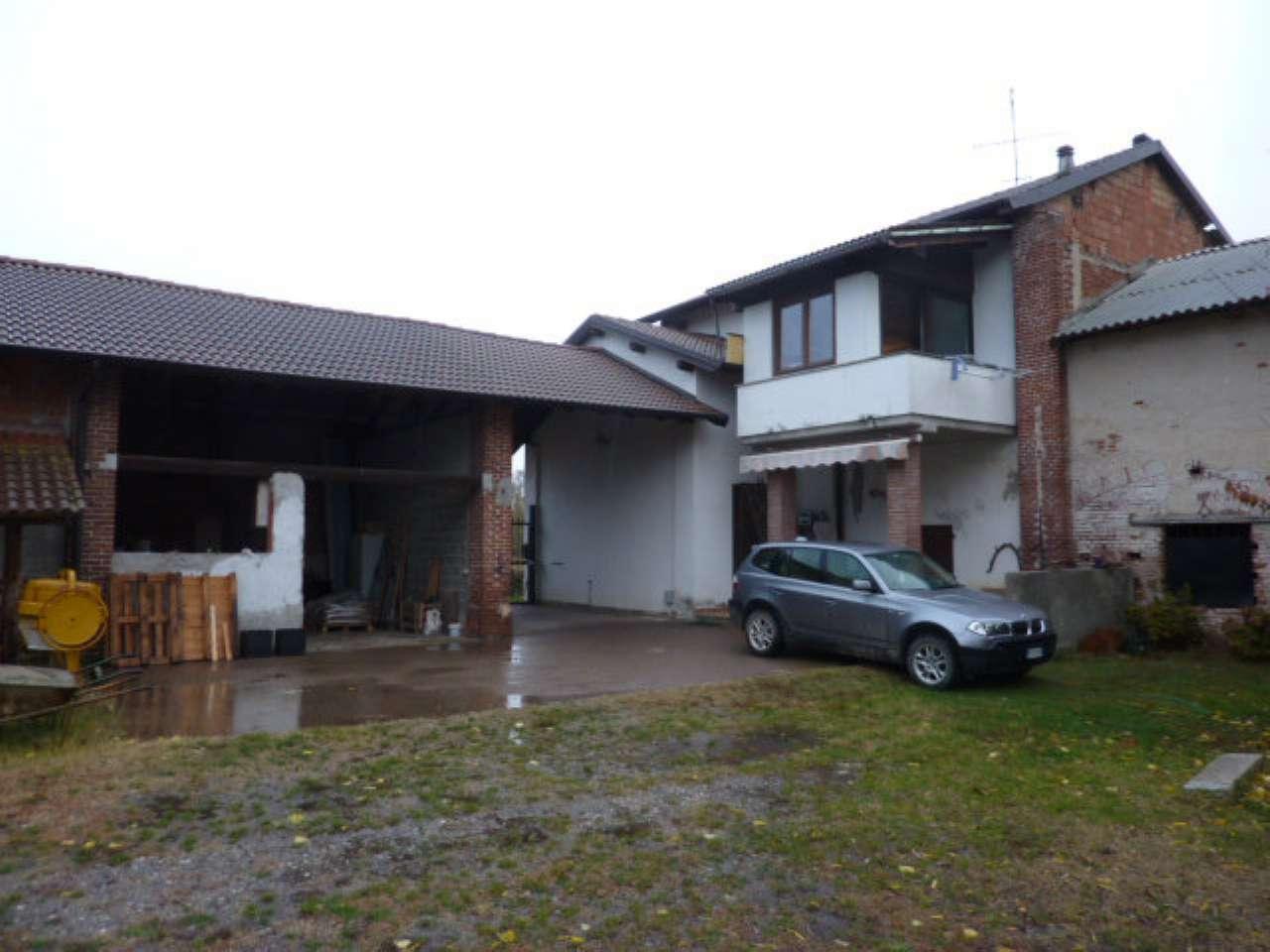 Rustico / Casale in vendita a Vigevano, 6 locali, prezzo € 189.000 | CambioCasa.it
