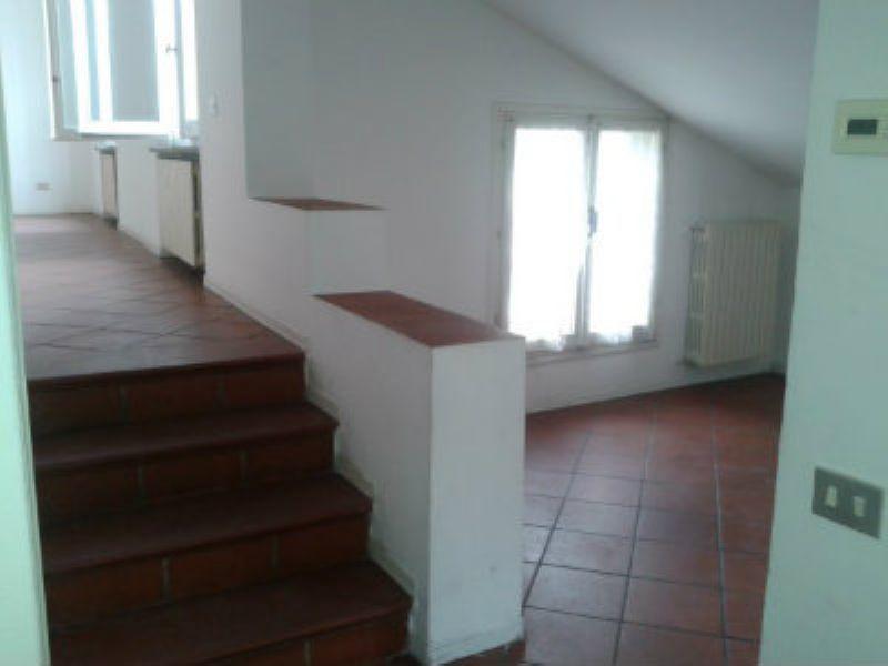 Appartamento in affitto a Modena, 4 locali, prezzo € 573 | Cambio Casa.it