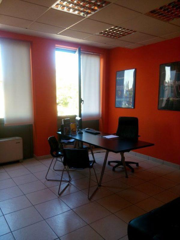 Ufficio / Studio in affitto a Modena, 4 locali, prezzo € 550 | Cambio Casa.it