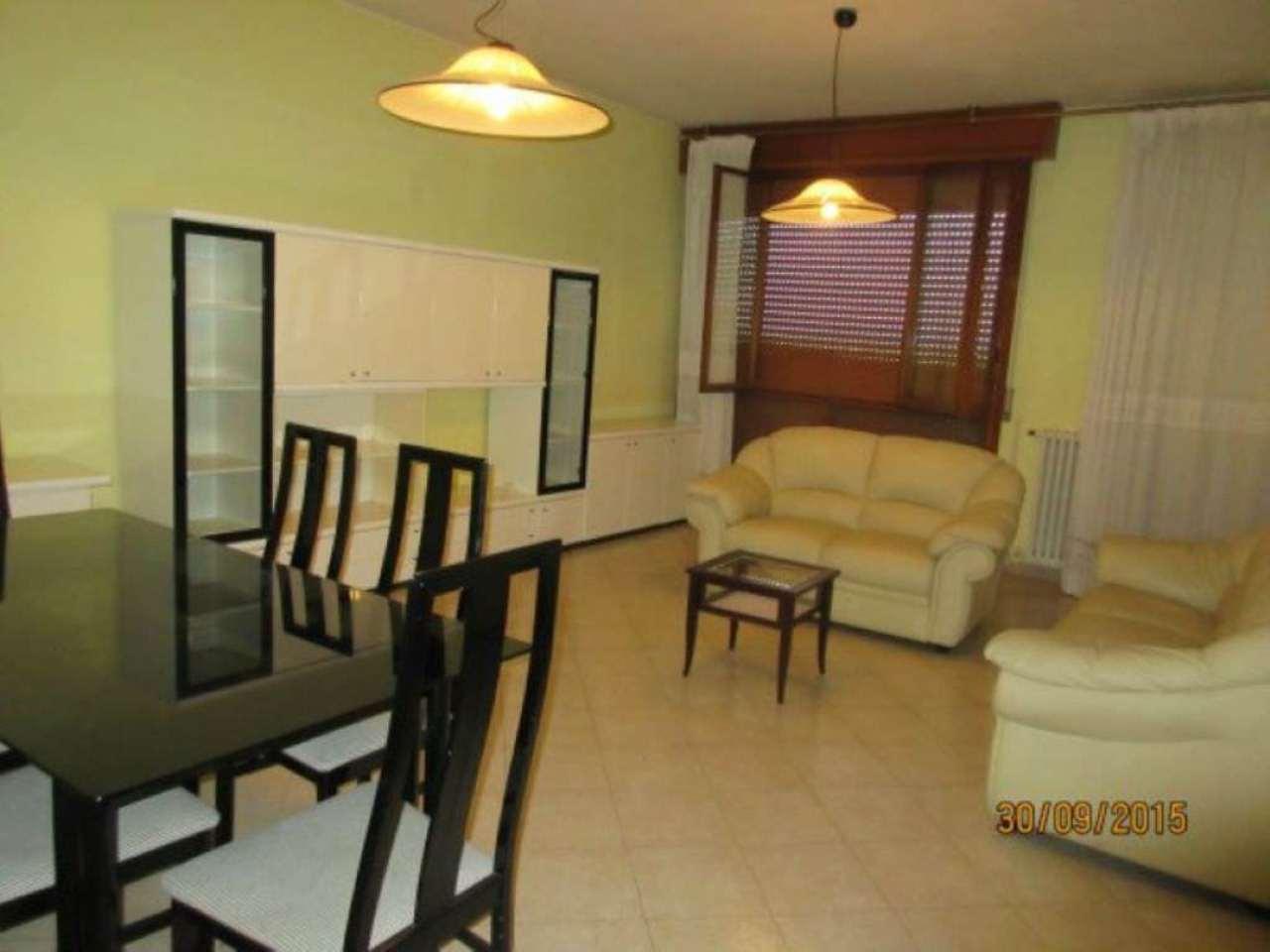 Appartamento in vendita a Modena, 4 locali, prezzo € 230.000 | Cambio Casa.it