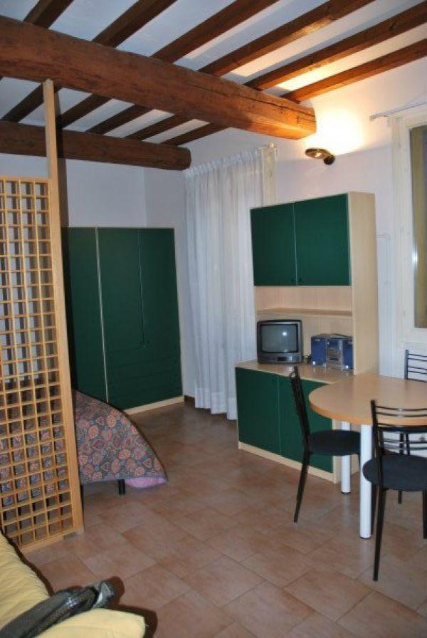 Appartamento in affitto a Modena, 1 locali, prezzo € 430 | Cambio Casa.it