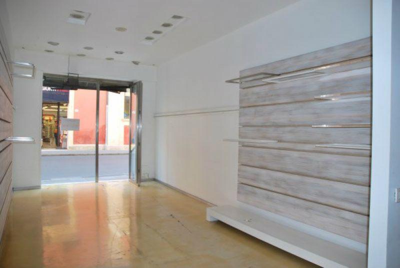 Negozio / Locale in affitto a Modena, 2 locali, prezzo € 3.000 | Cambio Casa.it