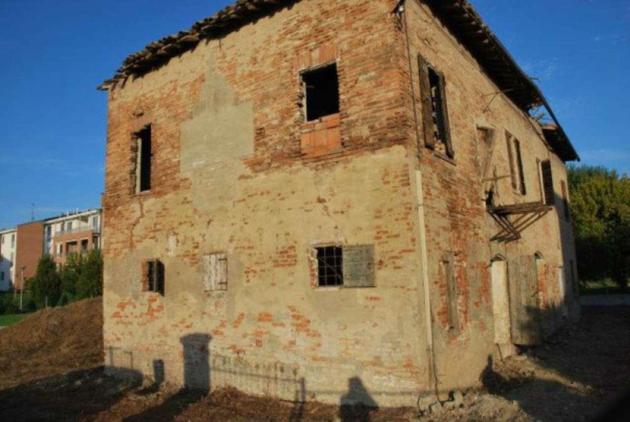 Rustico / Casale in vendita a Bastiglia, 10 locali, prezzo € 100.000 | CambioCasa.it