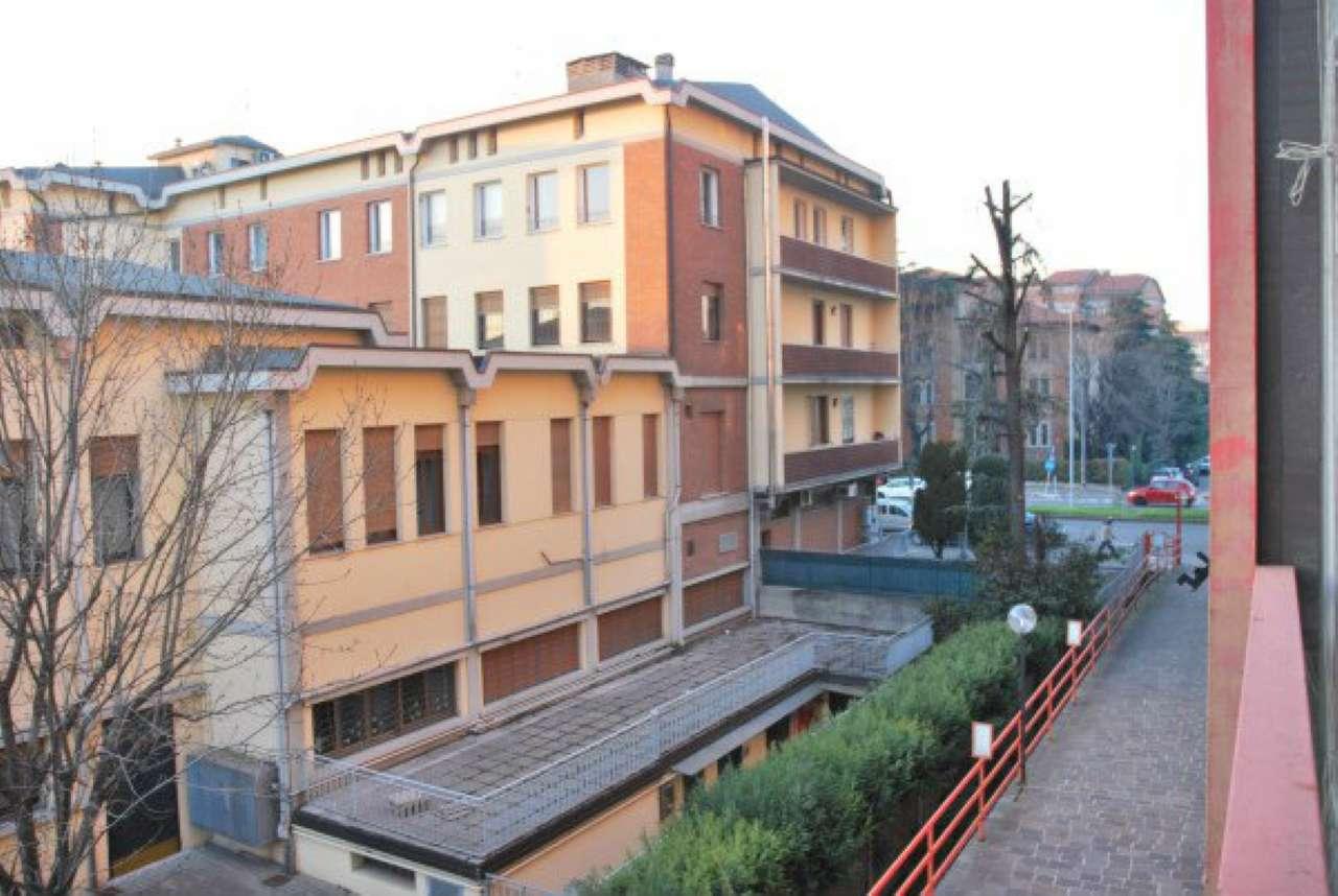 Appartamento in vendita a Modena, 3 locali, prezzo € 105.000 | Cambio Casa.it