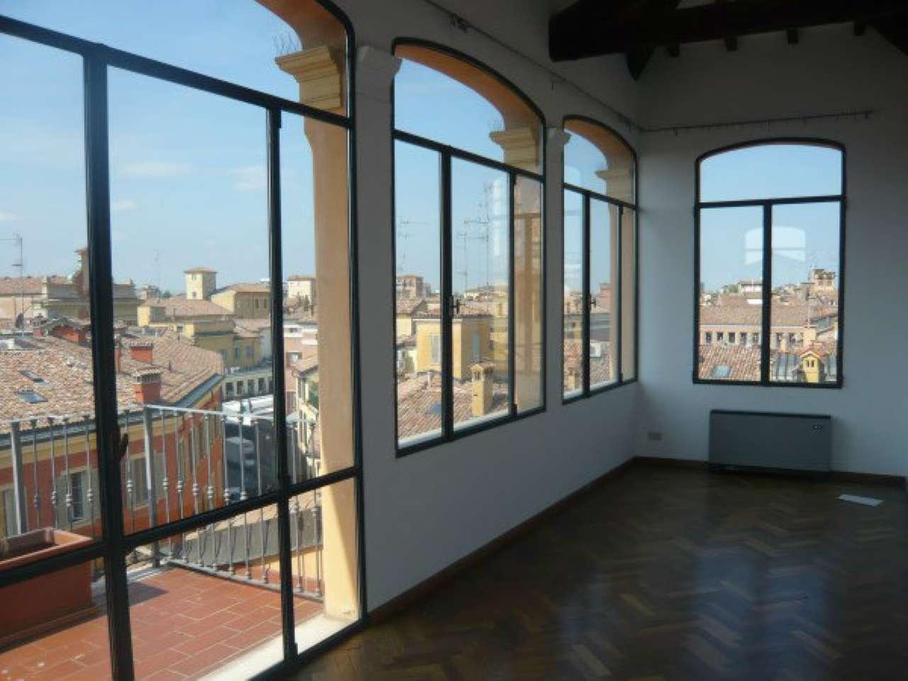 Appartamento in affitto a Modena, 6 locali, prezzo € 1.200 | Cambio Casa.it