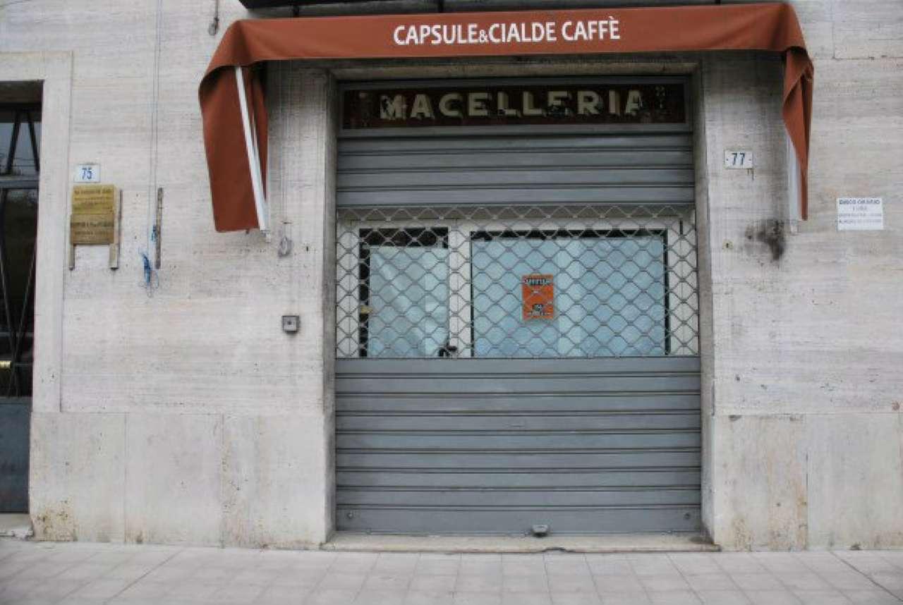 Negozio / Locale in affitto a Modena, 2 locali, prezzo € 850 | Cambio Casa.it