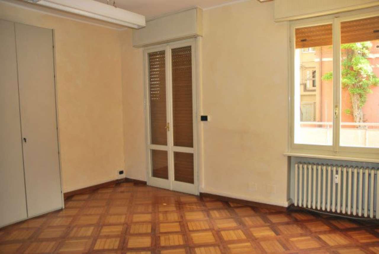 Ufficio / Studio in affitto a Modena, 5 locali, prezzo € 750 | CambioCasa.it