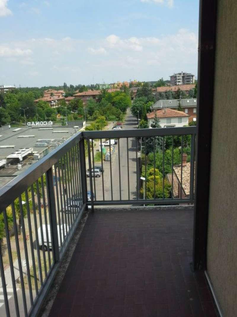 Appartamento in vendita a Modena, 4 locali, prezzo € 74.000 | Cambio Casa.it