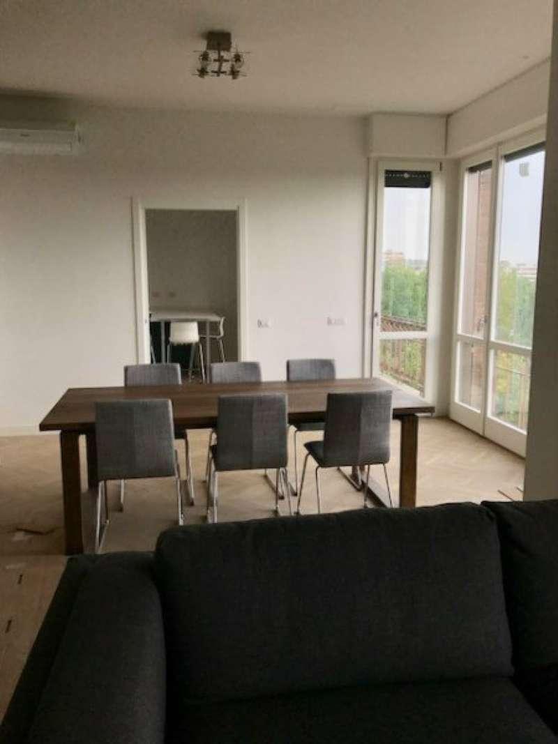 Appartamento in affitto a Modena, 5 locali, prezzo € 2.500   CambioCasa.it