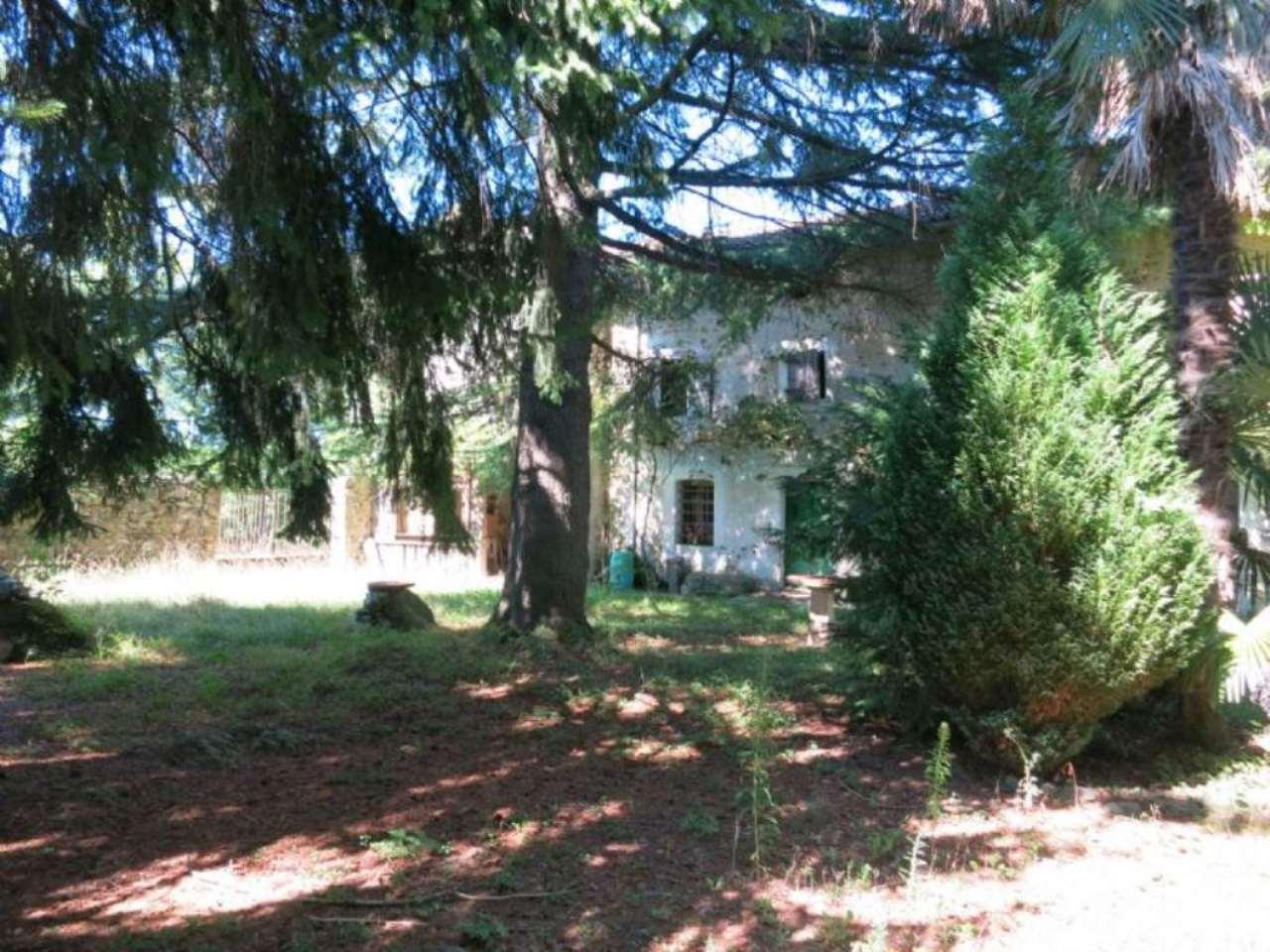 Rustico / Casale in vendita a Moruzzo, 10 locali, Trattative riservate | CambioCasa.it