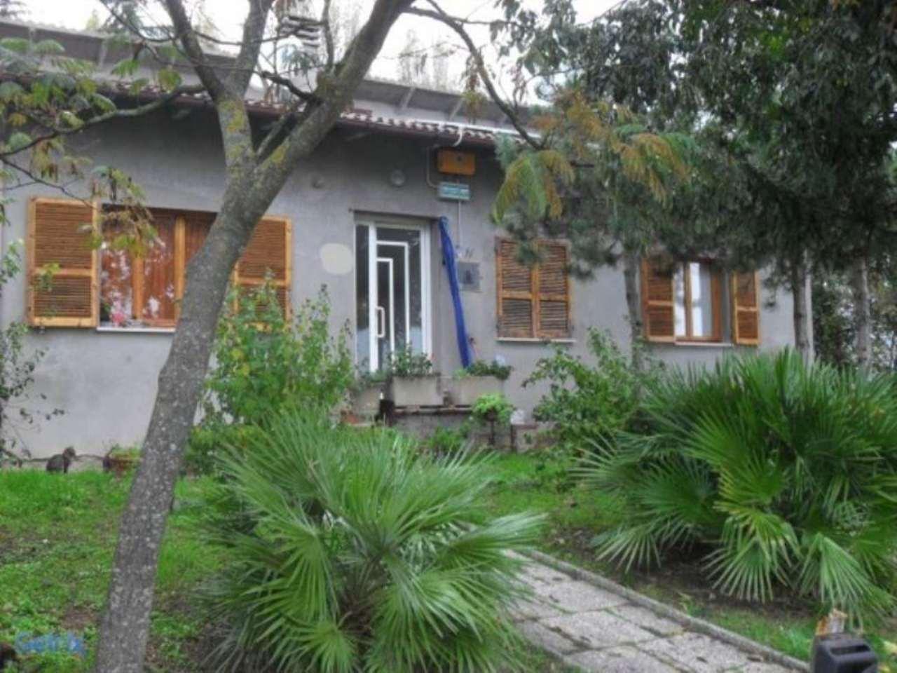 Villa in vendita a Rimini, 6 locali, prezzo € 400.000 | Cambio Casa.it
