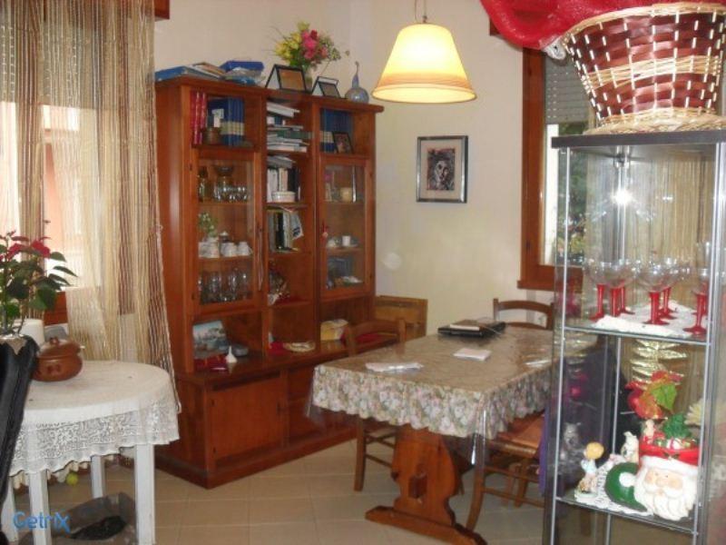Appartamento in vendita a Rimini, 4 locali, prezzo € 140.000 | Cambio Casa.it