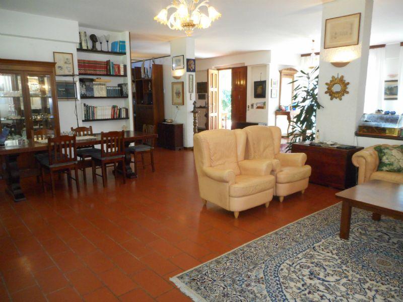 Villa in vendita a Rimini, 14 locali, Trattative riservate | Cambio Casa.it