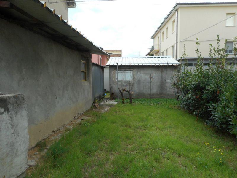 Soluzione Indipendente in vendita a Rimini, 10 locali, prezzo € 375.000 | CambioCasa.it