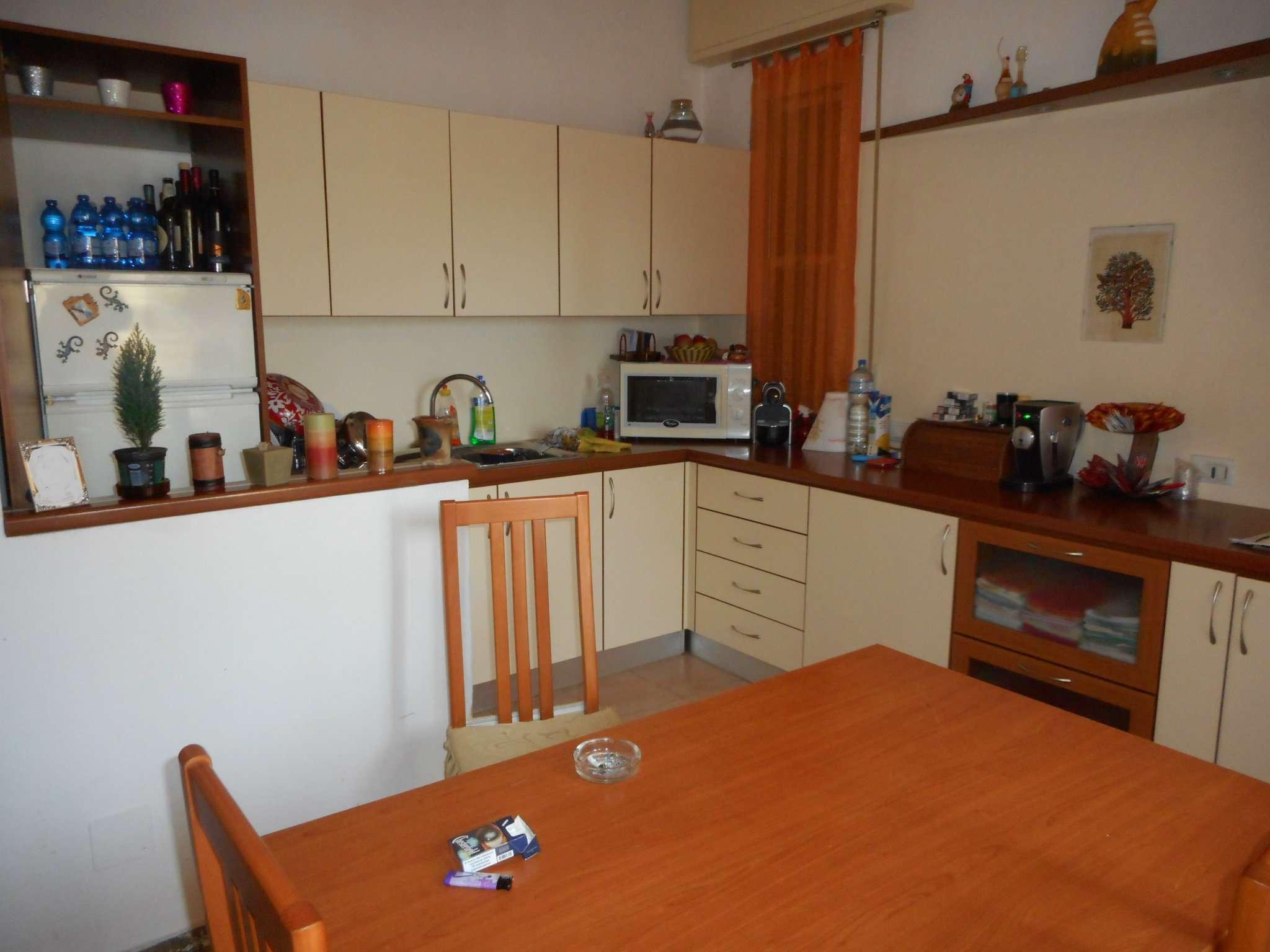 Soluzione Indipendente in vendita a Rimini, 10 locali, prezzo € 280.000 | Cambio Casa.it