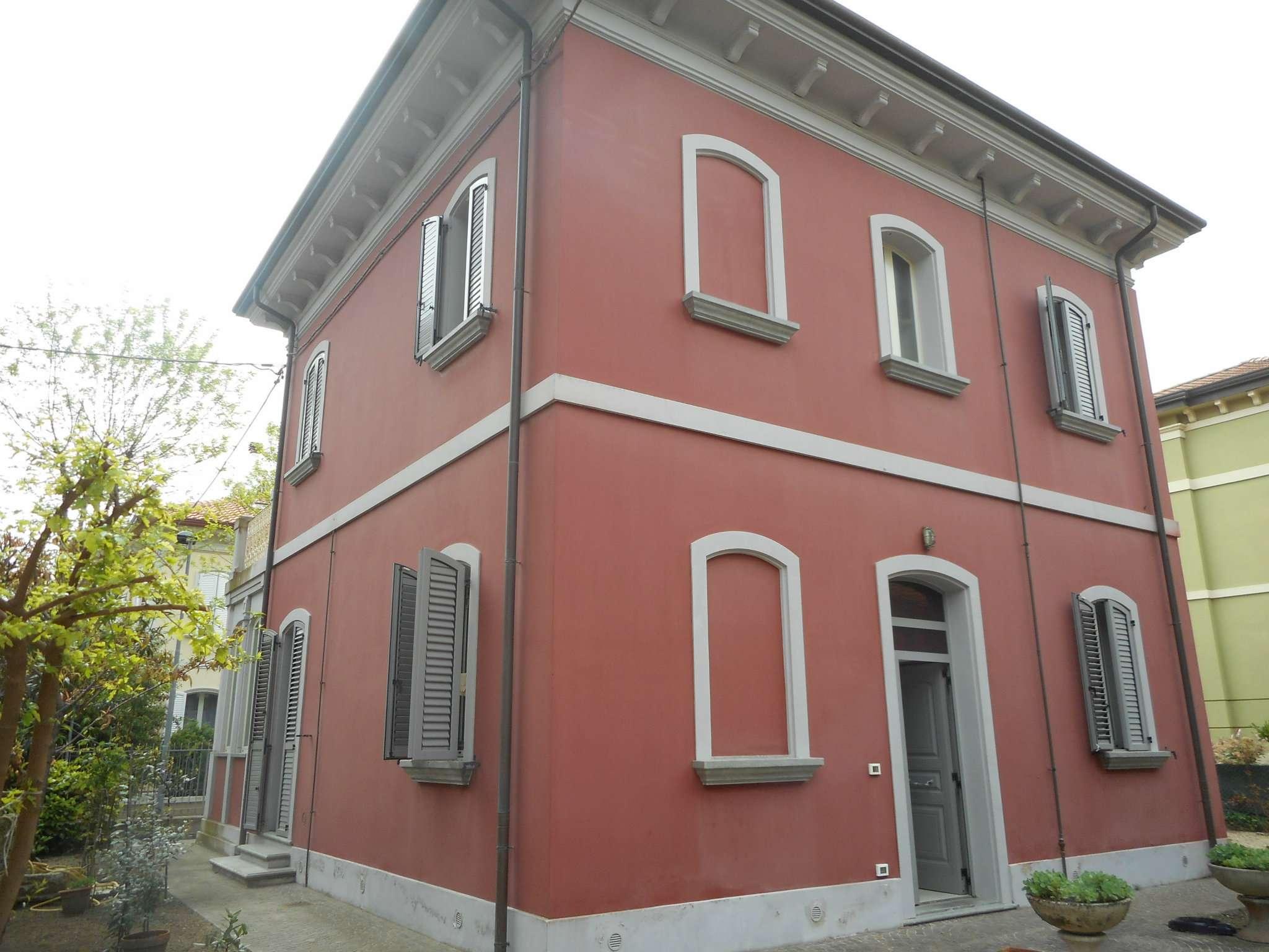 Villa in vendita a Rimini, 9 locali, prezzo € 749.000 | Cambio Casa.it