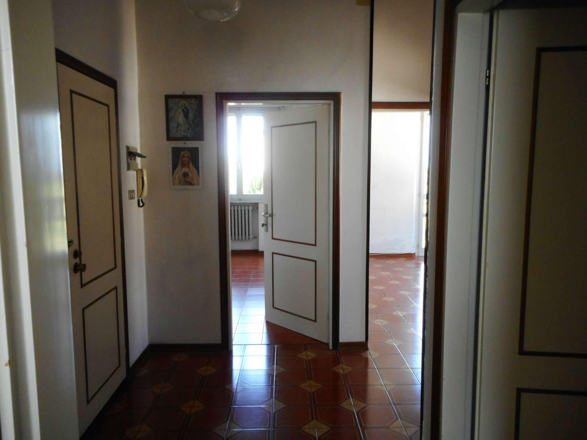 Appartamento in vendita a Santarcangelo di Romagna, 5 locali, prezzo € 99.000 | Cambio Casa.it
