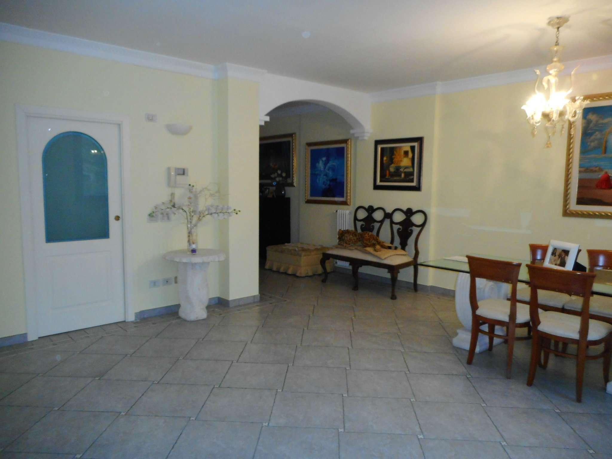 Palazzo / Stabile in vendita a Rimini, 7 locali, prezzo € 580.000 | CambioCasa.it