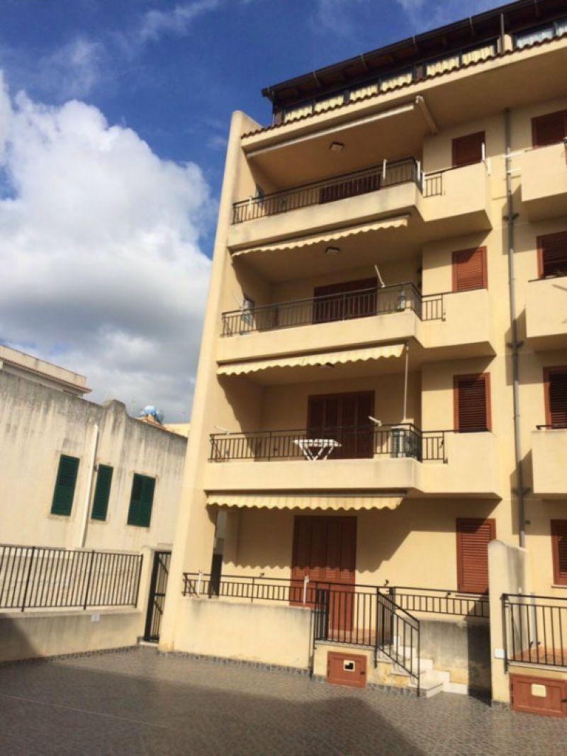 Appartamento in vendita a Castelvetrano, 5 locali, prezzo € 155.000 | Cambio Casa.it