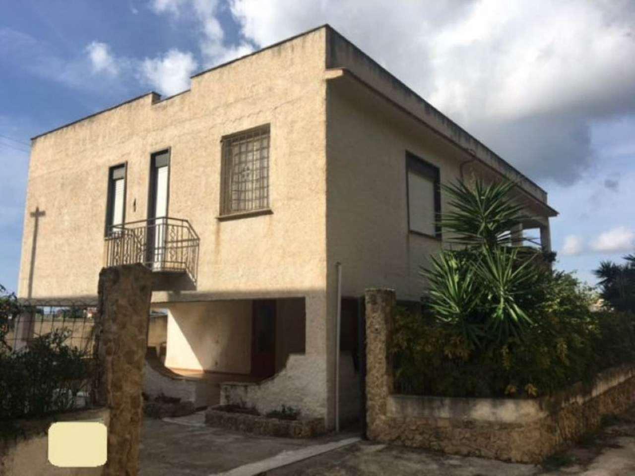 Villa in vendita a Castelvetrano, 8 locali, prezzo € 180.000 | Cambio Casa.it