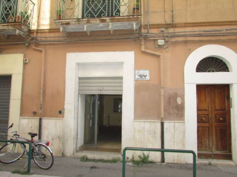 Negozio / Locale in affitto a Foggia, 1 locali, prezzo € 300 | CambioCasa.it