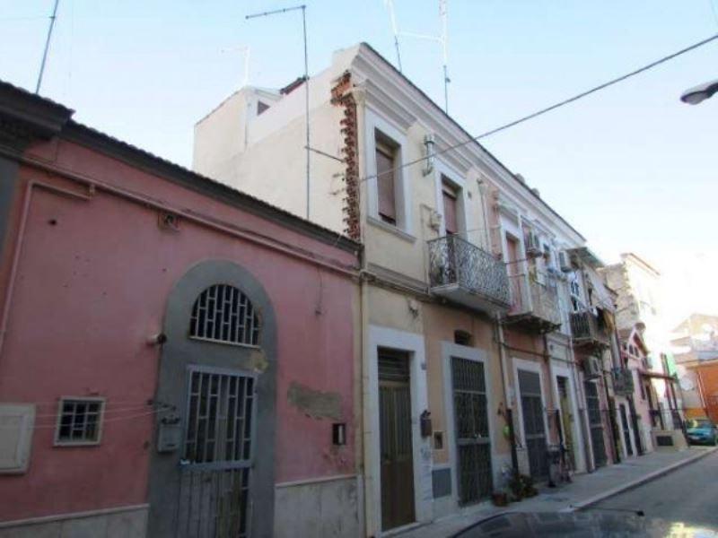 Appartamento in vendita a Foggia, 3 locali, prezzo € 49.000 | CambioCasa.it