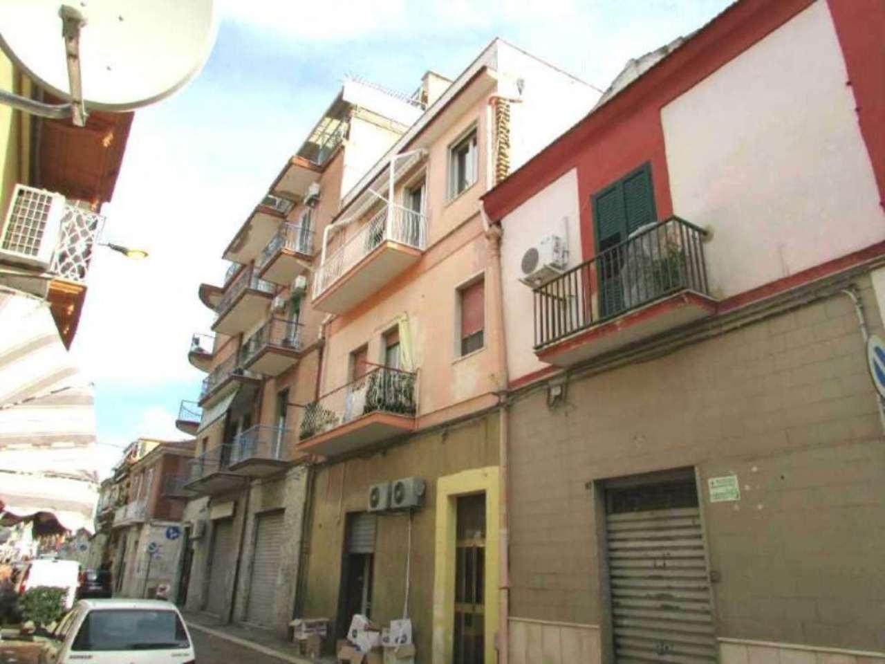 Appartamento in vendita a Foggia, 3 locali, prezzo € 70.000 | CambioCasa.it
