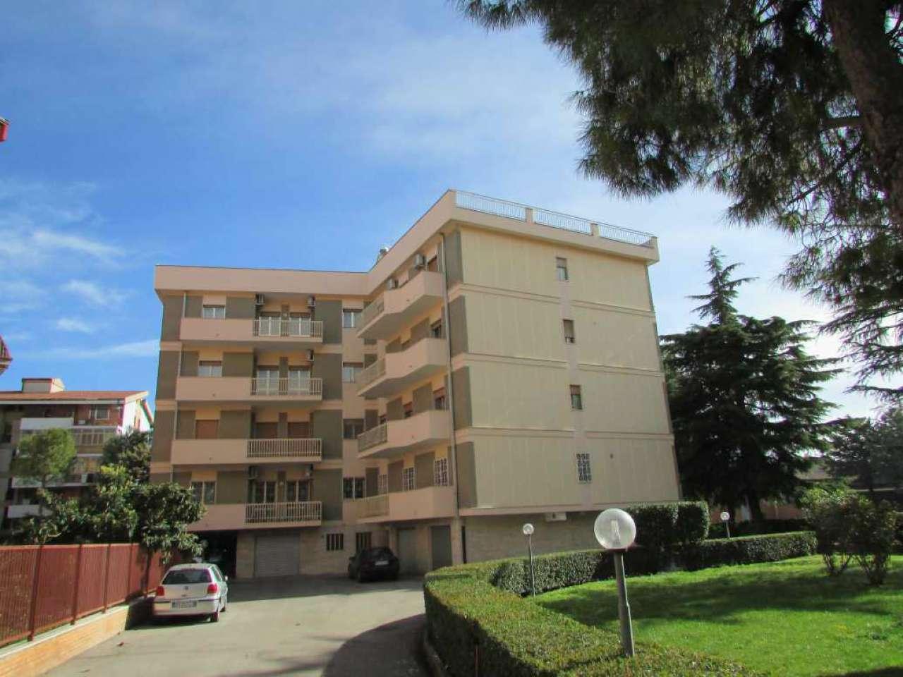 Appartamento in vendita a Foggia, 5 locali, prezzo € 228.000 | CambioCasa.it