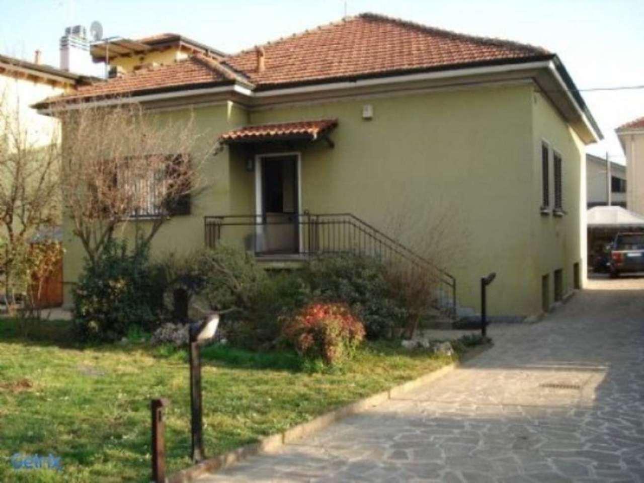 Villa in vendita a Cormano, 3 locali, prezzo € 670.000 | CambioCasa.it