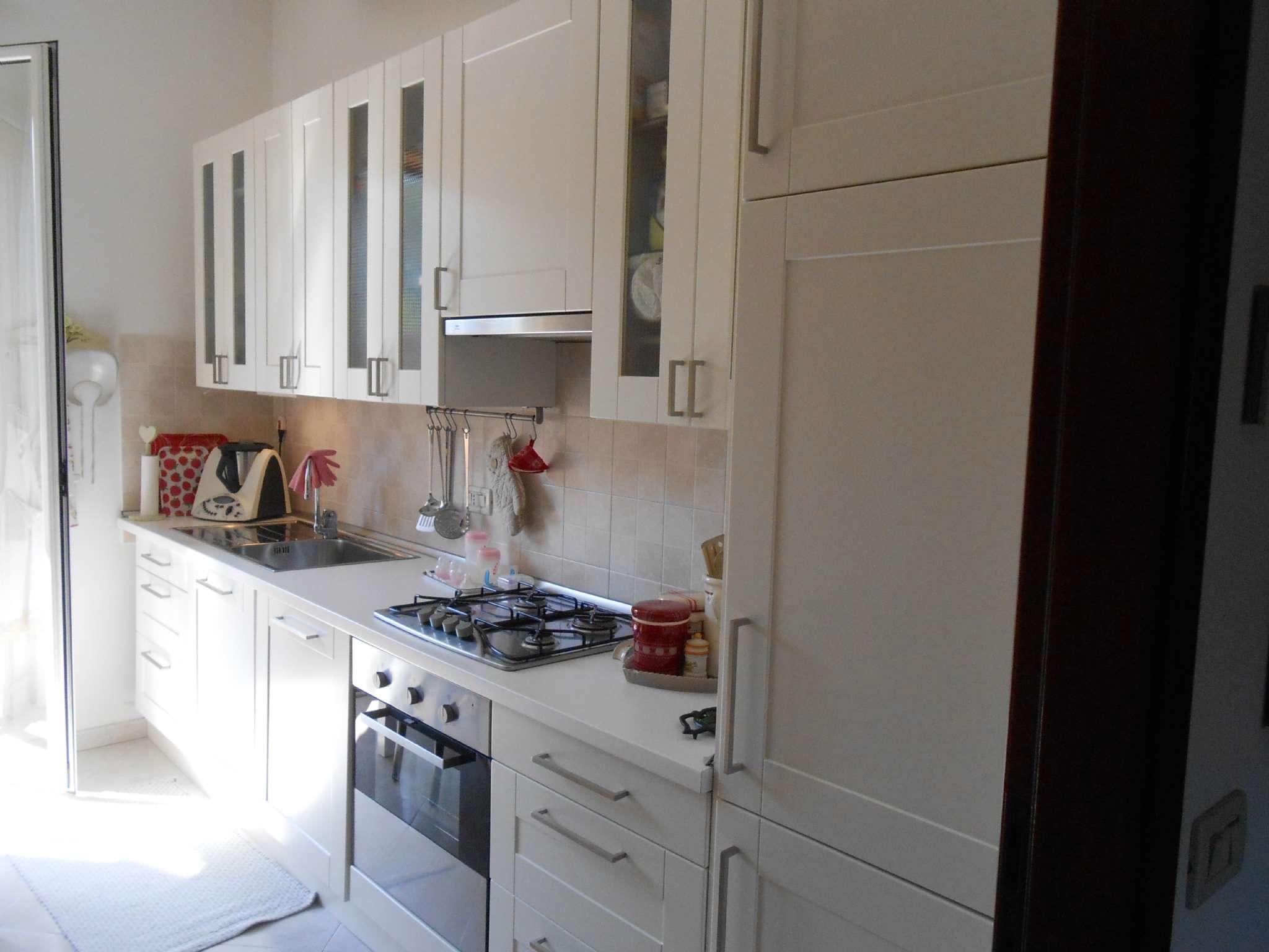 Appartamento in vendita 3 vani 68 mq.  via serena Bologna