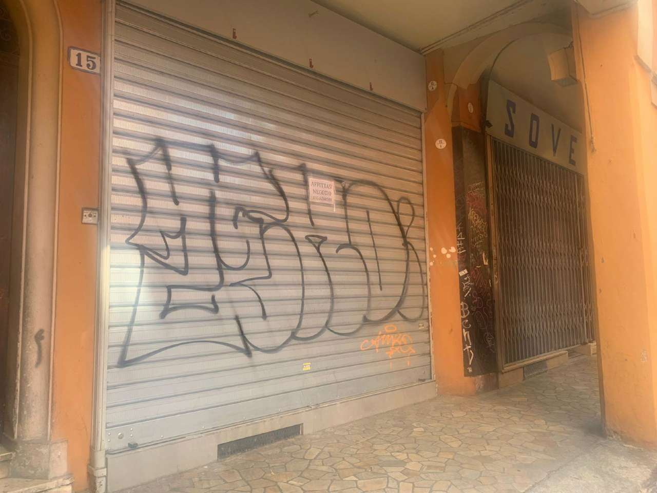 Bologna Affitto NEGOZI