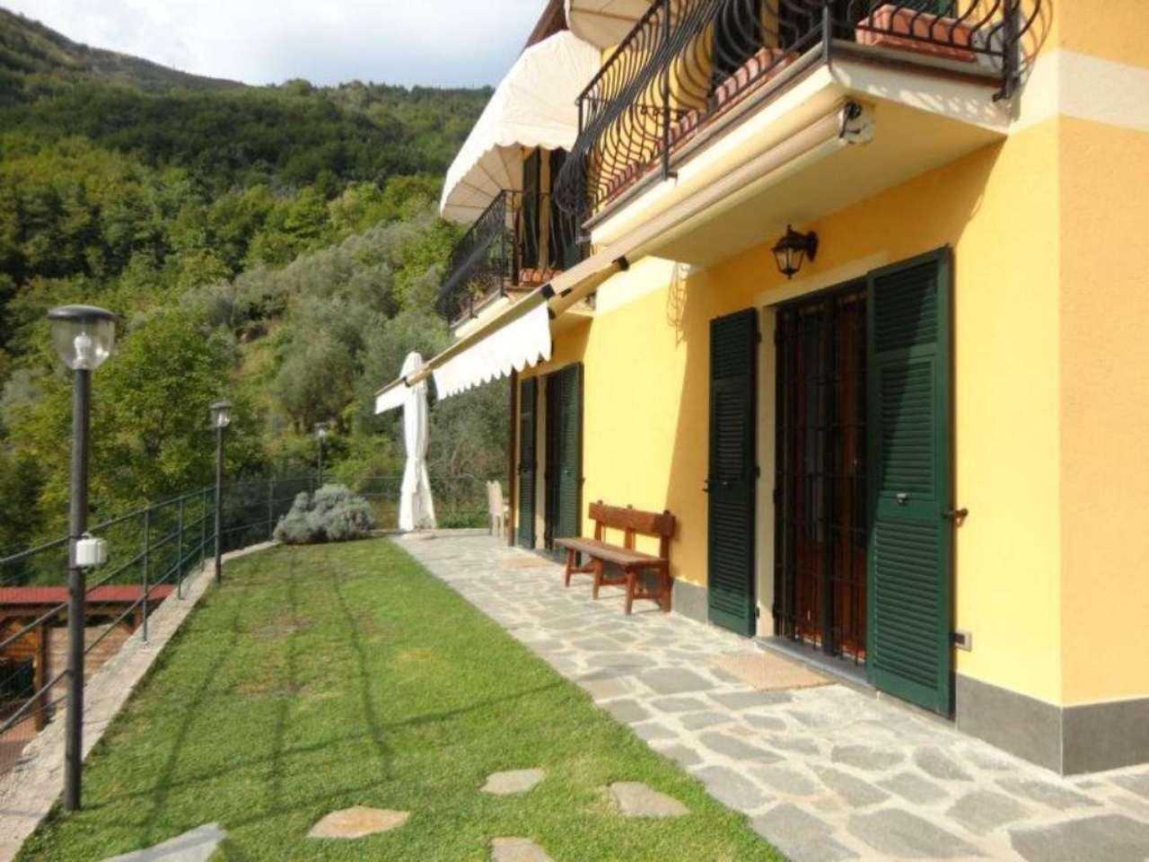 Villa in vendita a Avegno, 7 locali, prezzo € 620.000 | Cambio Casa.it