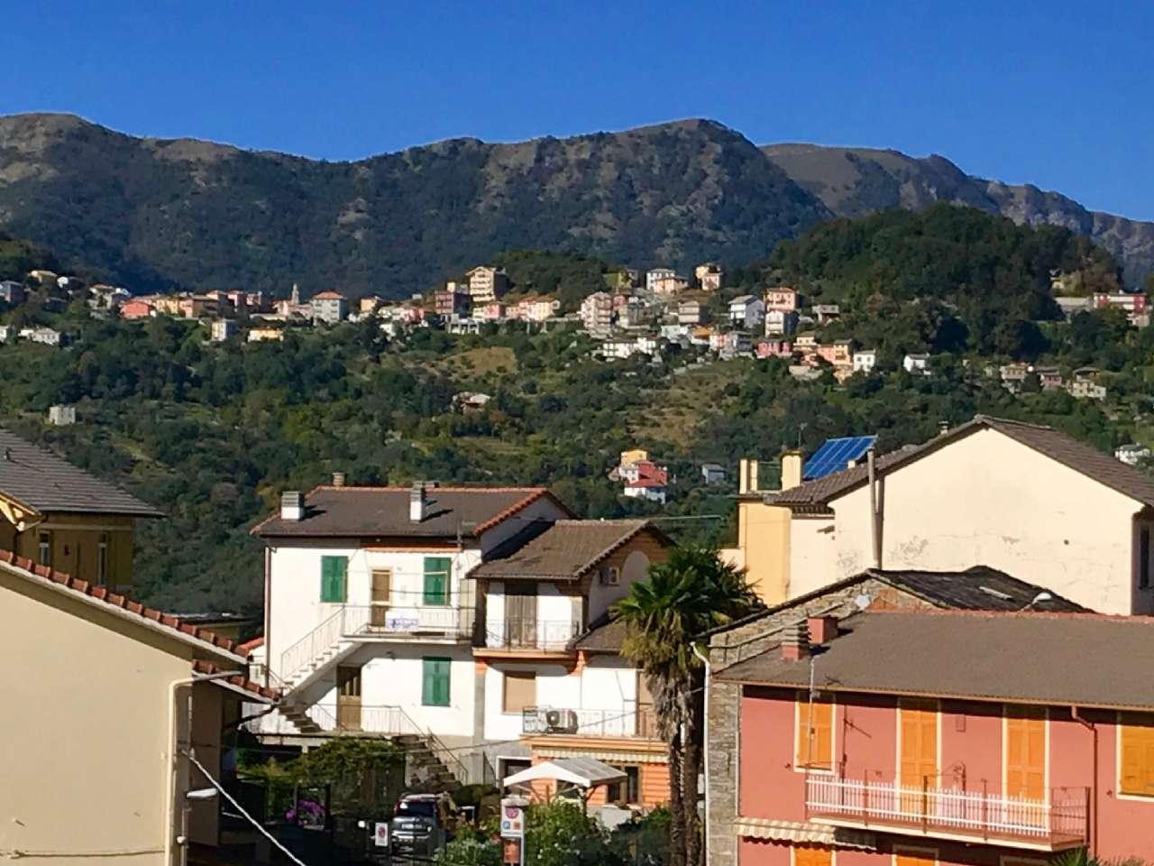 Foto 1 di Casa indipendente salita Isella, Uscio