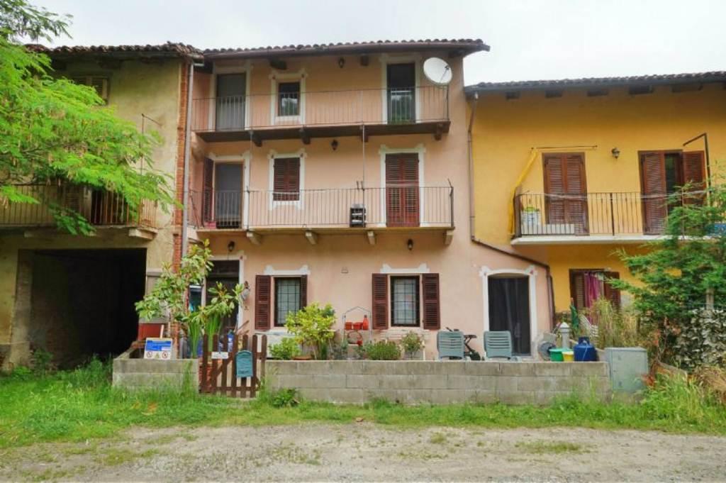 Rustico / Casale in vendita a Albugnano, 5 locali, prezzo € 75.000 | Cambio Casa.it