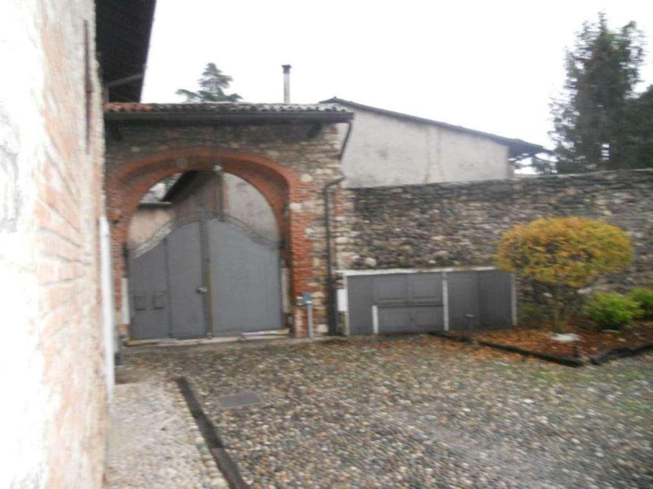 Bilocale Brescia Via Della Piazza 4