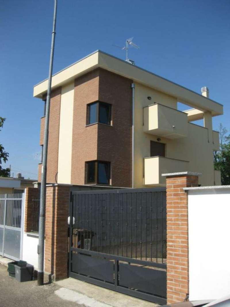 Bilocale Sedriano Via Ligabue 10