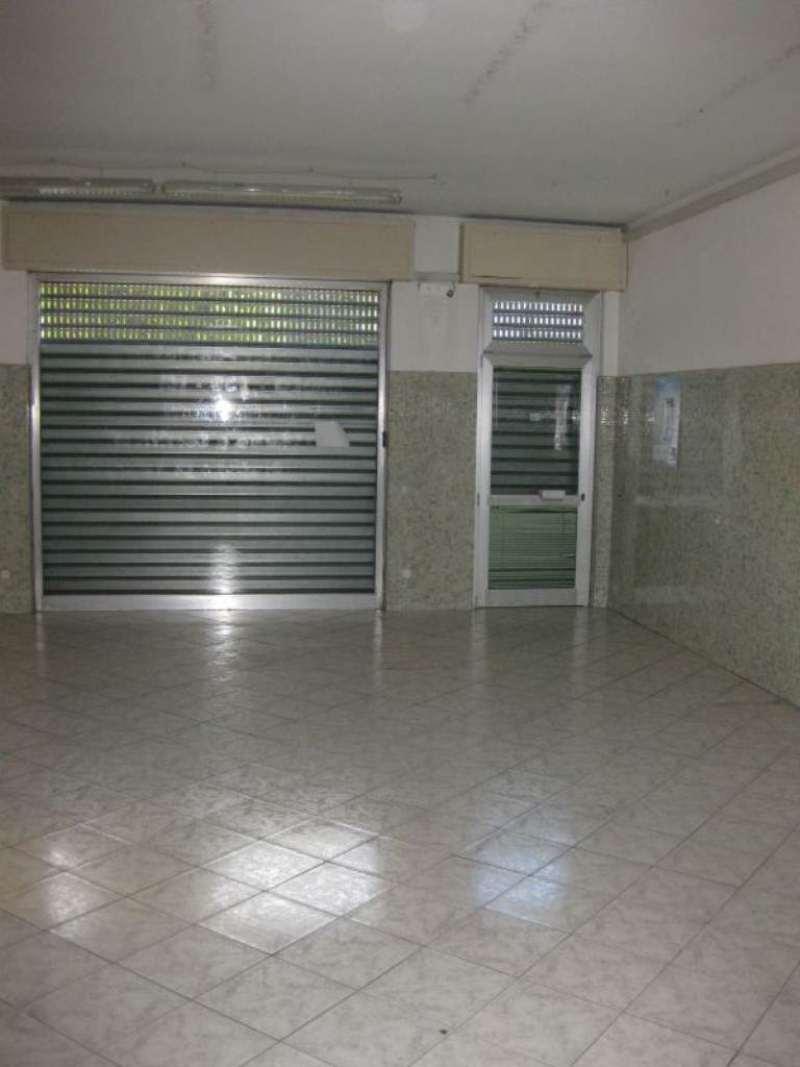 Negozio / Locale in affitto a Sedriano, 2 locali, prezzo € 600 | CambioCasa.it
