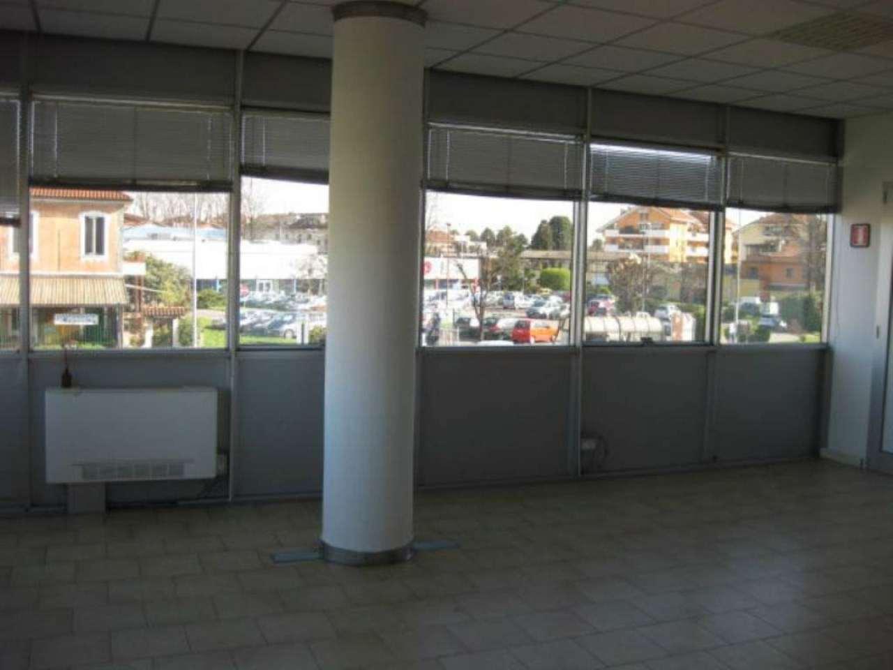 Ufficio / Studio in affitto a Bareggio, 1 locali, prezzo € 450 | CambioCasa.it